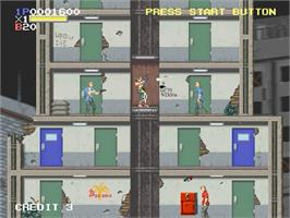 In game image of Elevator Action Returns on the Sega Saturn.