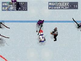 In game image of NHL Powerplay '96 on the Sega Saturn.