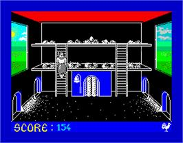 In game image of Chickin Chase on the Sinclair ZX Spectrum.