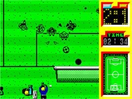 In game image of Emilio Butragueño Fútbol on the Sinclair ZX Spectrum.