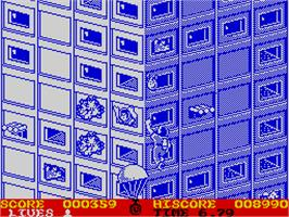 In game image of FireTrap on the Sinclair ZX Spectrum.