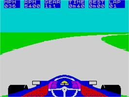 In game image of Formula One on the Sinclair ZX Spectrum.