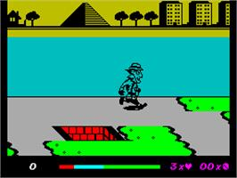 In game image of Inspector Gadget and the Circus of Fear on the Sinclair ZX Spectrum.