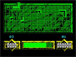 In game image of Loopz on the Sinclair ZX Spectrum.