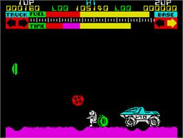 In game image of Lunar Jetman on the Sinclair ZX Spectrum.
