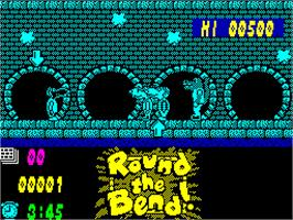 In game image of Round the Bend! on the Sinclair ZX Spectrum.