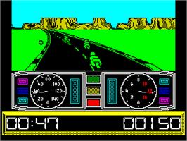In game image of Super Cycle on the Sinclair ZX Spectrum.