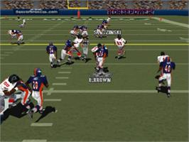 In game image of Madden NFL 2000 on the Sony Playstation.