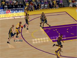 In game image of NBA Live 2001 on the Sony Playstation.