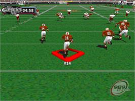 In game image of NCAA GameBreaker 2000 on the Sony Playstation.