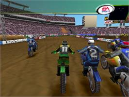 In game image of Supercross 2000 on the Sony Playstation.