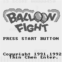 Title screen of Balloon Fight on the Watara Supervision.